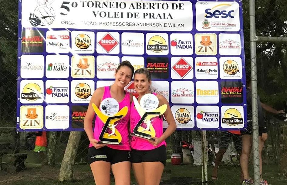 Aline e Kelen conquistam o título do 5º torneio aberto de vôlei de praia de Flores da Cunha