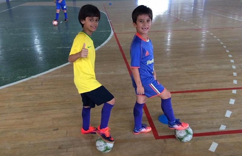 Escola FC Iniciação Esportiva inicia os treinos de verão para a temporada 2019