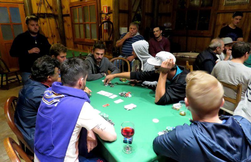 ESPECIAL - Poker: um jogo de estratégia e inteligência