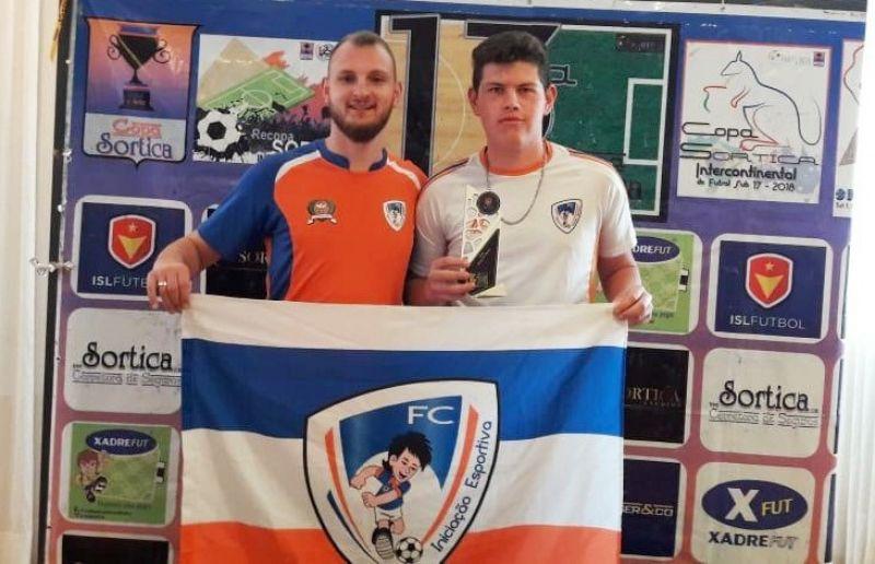 Premiação dos destaques da Escola ATE/FC Iniciação Esportiva na Copa Sortica Futebol 7