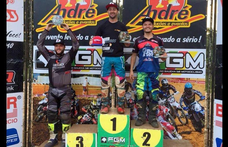 Após etapa do Regional de Motocross piloto florense lidera em duas categorias