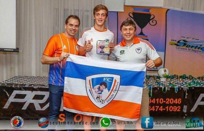 Destaques da Copa Sortica de Futsal recebem premiação na Sogipa, em Porto Alegre