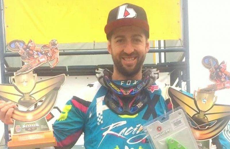 Piloto Rodrigo Galiotto vence no Serrano de Motocross