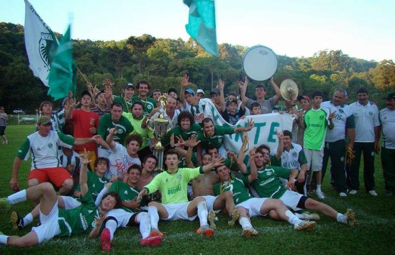 Paduense lidera o ranking do futebol de campo de Nova Pádua