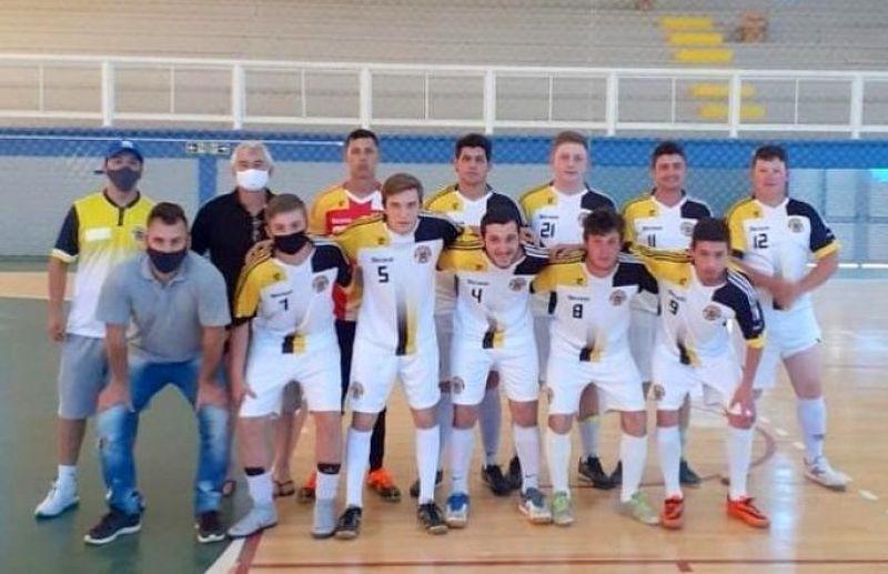 Legião E.C e Atlético Florense lideram o futsal juniores de Flores da Cunha