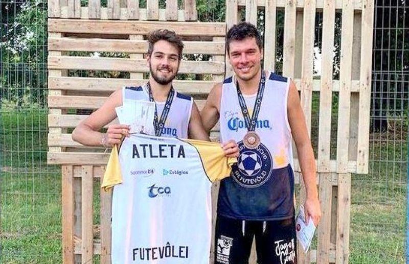 Florense busca vaga para disputar a categoria profissional do futevôlei brasileiro