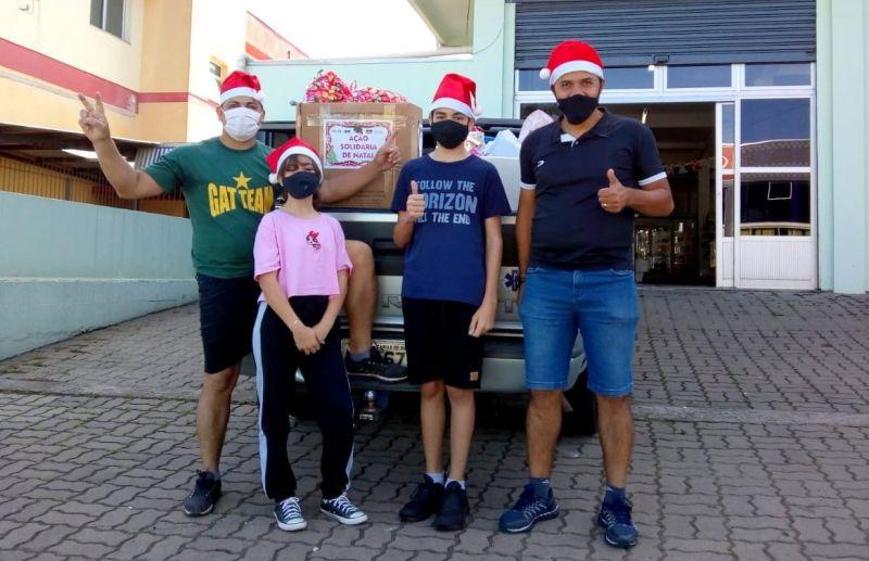 Foto Gat Team Jair Oliveira distribui mais de 400 brinquedos para crianças carentes