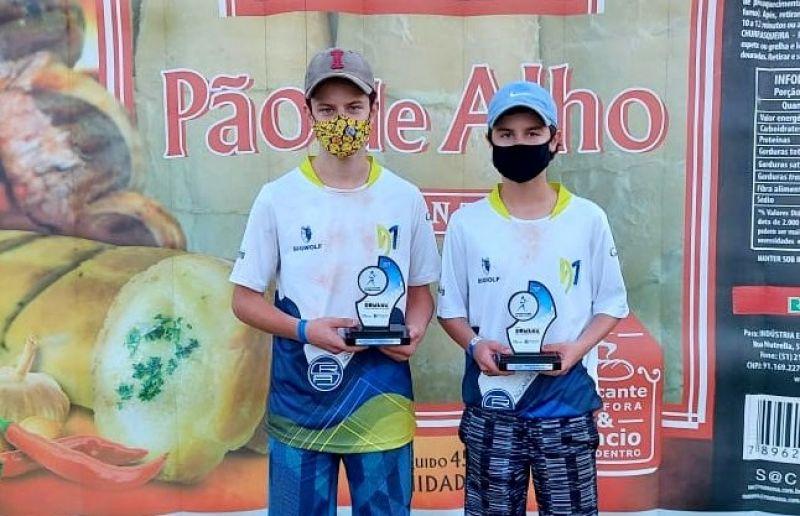 Irmãos gêmeos de Flores da Cunha fazem a final do Campeonato Regional de Tênis