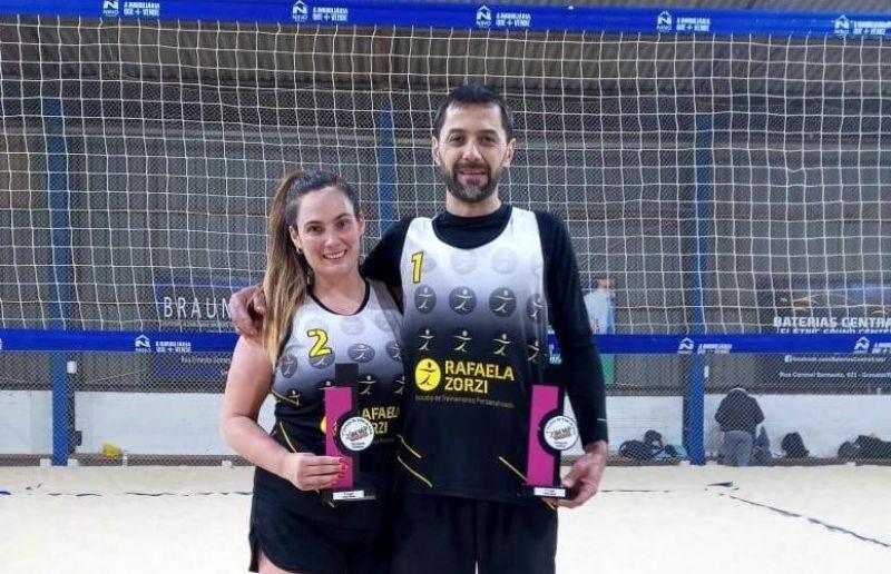 Florenses ficam em 2º lugar no torneio de vôlei de praia realizado em Gravataí