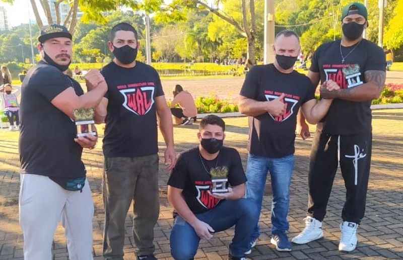 Equipe florense conquista quatro vitórias no desafio de Luta de Braço