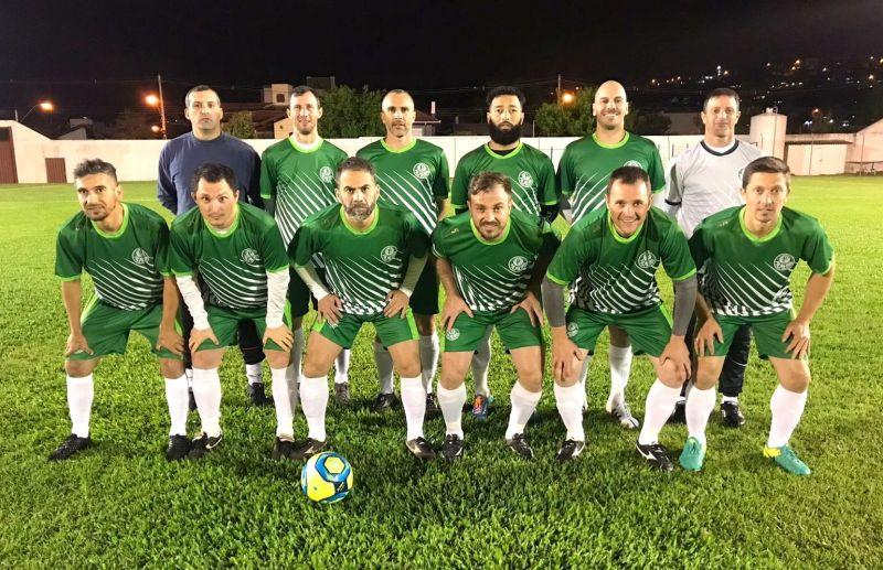Palmeiras e Madruga vencem no futebol de campo veteranos de Flores da Cunha